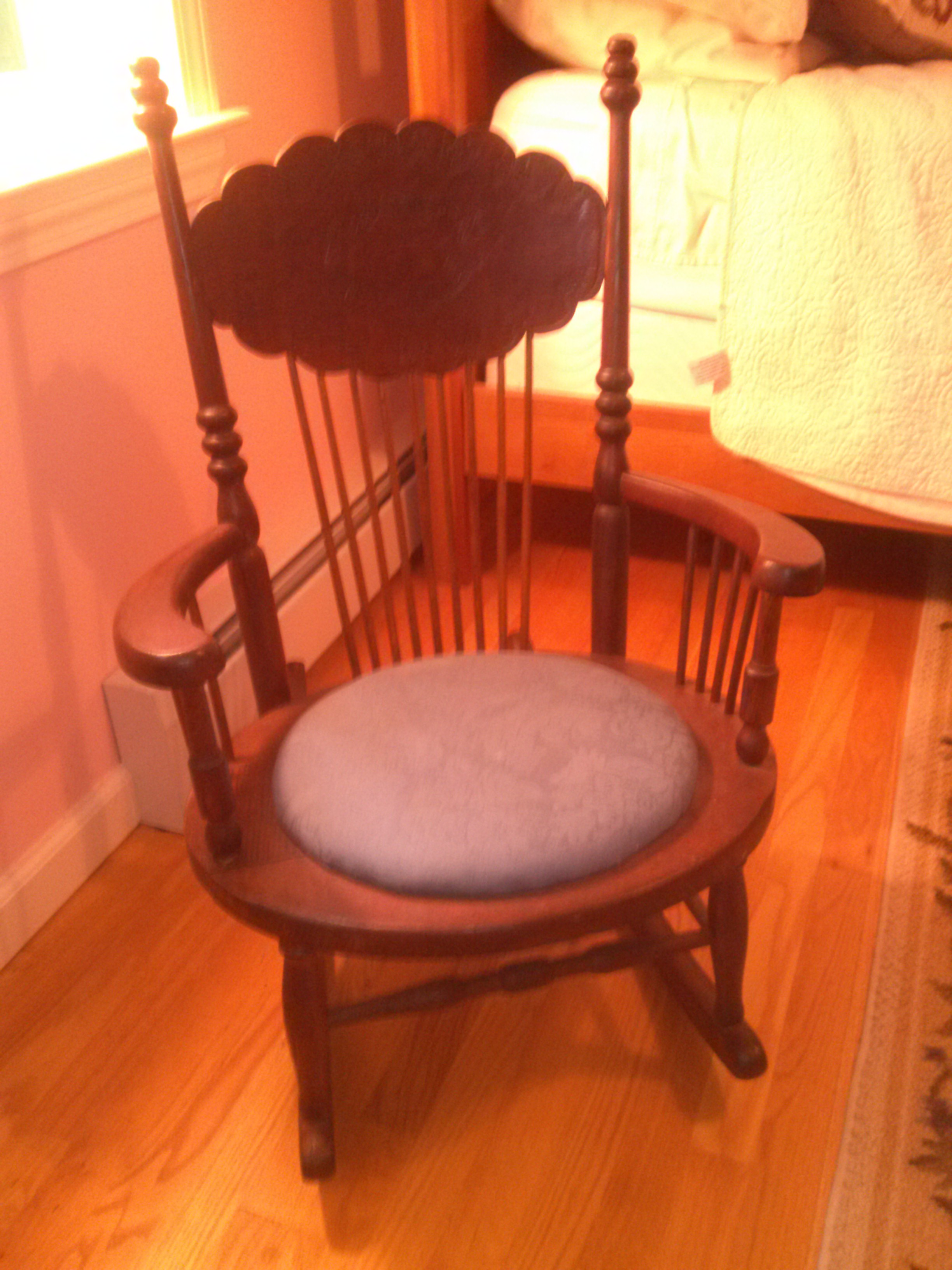 from Maureen: sewing rocker